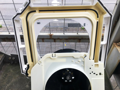 愛知県豊田市で エアコン分解洗浄_きれいになった枠