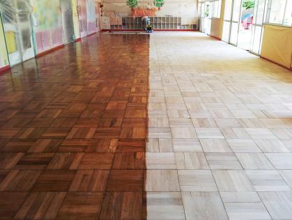 教室フローリング木床 リフォーム コーティング ビフォーアフター
