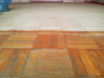 教室フローリング木床 リフォーム 削りのビフォーアフター