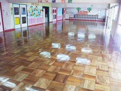 教室フローリング木床 リフォーム 仕上がり
