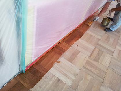 教室フローリング木床 リフォーム コーティング開始