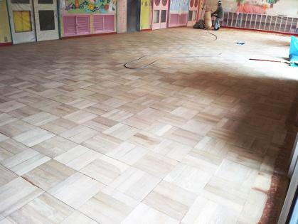 教室フローリング木床 リフォーム 削り完了
