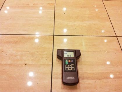 豊田市のホテルでの清掃(大理石床)